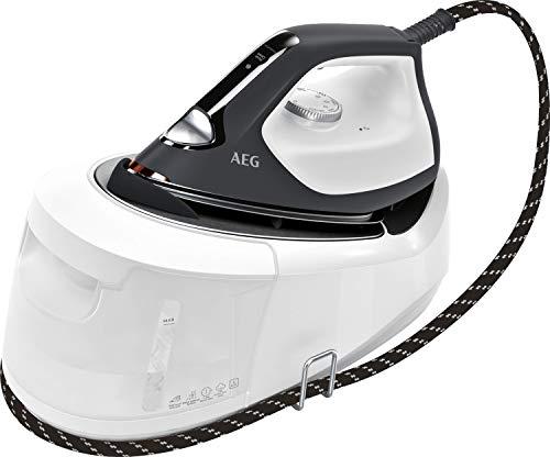AEG ST6-1-8EG Dampfbügelstation / 4 Bügelprogramme für jeden Stoff / schnell aufheizend / dauerhaftes Licht / 6 bar Dampfdruck / 360 g Dampfstoß / kratzfeste Bügelsohle / 1,2 l Wassertank / weiß/grau
